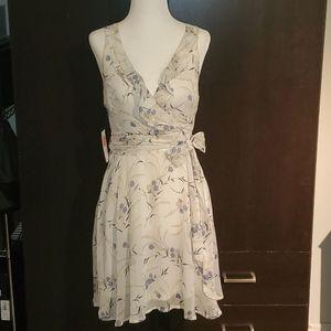 Sleevless floral dress 👗💐